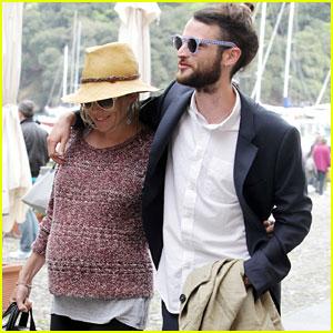 Tom Sturridge & Sienna Miller: Amore in Italy!