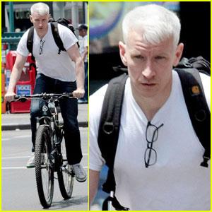 Anderson Cooper Mocks Amanda Bynes for Obama Tweet