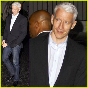 Anderson Cooper Cusses Out Photo-Snapping Plane Passenger