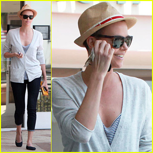 Charlize Theron: Sushi Park Lunch Stop!