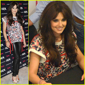 Cheryl Cole: 'A Million Lights' CD Signing!