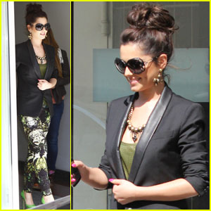 Cheryl Cole: Hair Bun in Berlin!