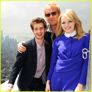 Emma Stone & Andrew Garfield Light Empire State Building