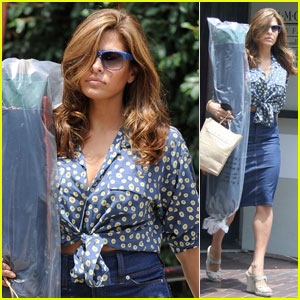 Eva Mendes: Diamond Foam & Fabric Shopper