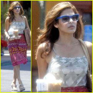 Eva Mendes & Ryan Gosling's Mom 'Get Along Really Well'