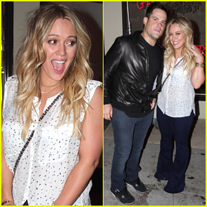 Hilary Duff: Rock And Reilly's with Mike Comrie!
