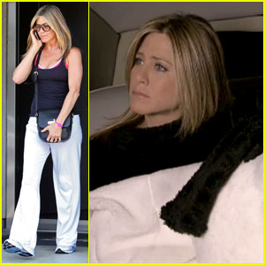 Jennifer Aniston: Bear Suit in 'Bachelor' Spoof
