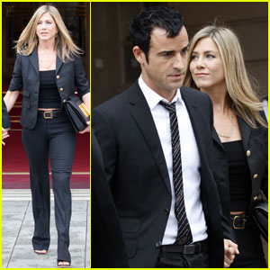 Jennifer Aniston & Justin Theroux: Eiffel Tower Twosome
