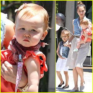 Jessica Alba: Family Saturday Shopping!