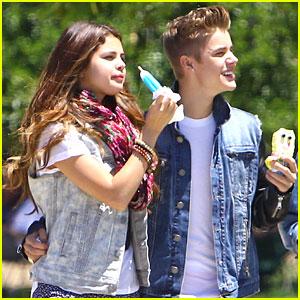 Justin Bieber & Selena Gomez: Spongebob Popsicle!