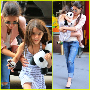 Katie Holmes: Chocolate Treats for Suri!