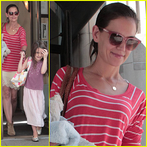 Katie Holmes & Suri: Early Morning Outing!