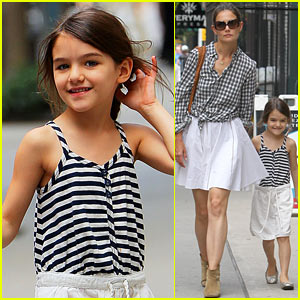Katie Holmes & Suri: Matching Outfits!