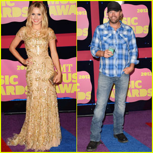 Kristen Bell & Toby Keith - CMT Music Awards 2012