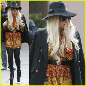 Lady Gaga: 'Hey Melbourne, We're Here!'