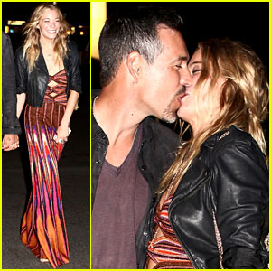 LeAnn Rimes &#038; Eddie Cibrian: Birthday Kisses!