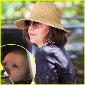 Maggie Gyllenhaal: Supermarket Stop with Gloria Ray!