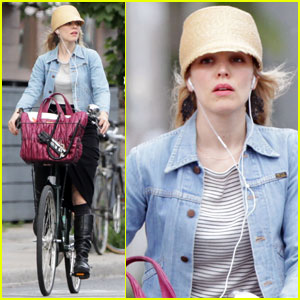 Rachel McAdams Listens to Tunes in Toronto