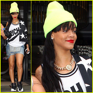 Rihanna: Neon London Outing