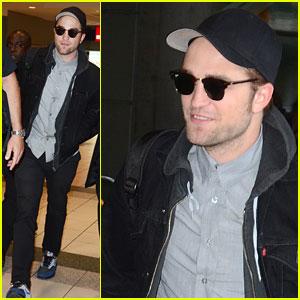 Robert Pattinson: Toronto Landing!