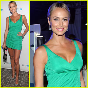 Stacy Keibler: Nintendo Wii U Preview!
