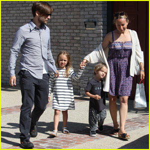 Tobey Maguire: Father's Day with Family!