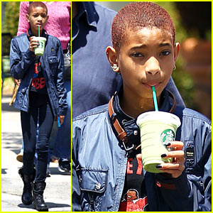 Willow Smith: Saturday Starbucks Stop!