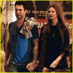 Adam Levine &#038; Behati Prinsloo: Holding Hands!