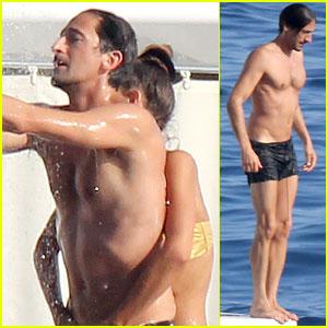 Adrien Brody: Shirtless Yacht Ride with Girlfriend Lara!