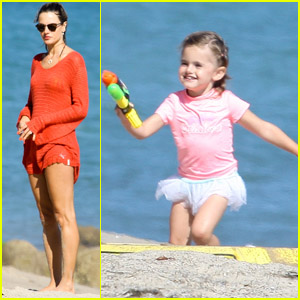 Alessandra Ambrosio & Anja's Day at the Beach!
