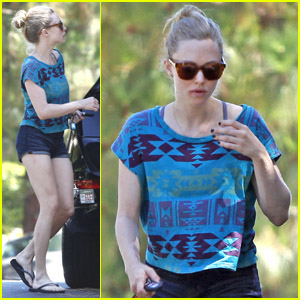 Amanda Seyfried: Trader Joe's Shopper!