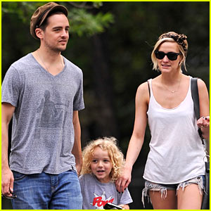 Ashlee Simpson: Big Apple Stroll with Vincent Piazza & Bronx!