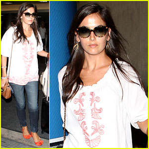 Camilla Belle Lands in Los Angeles with Evolet!