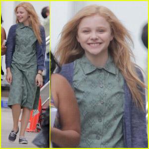 Chloe Moretz: All Smiles on 'Carrie' Set!