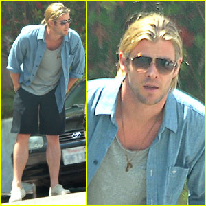 Chris Hemsworth: Police Chat After Family Lunch