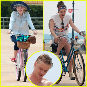 Dakota Fanning & Elizabeth Olsen: 'Very Good Girls' on Coney Island!