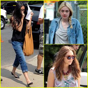 Demi Moore: 'Very Good Girls' Set with Dakota & Elizabeth!