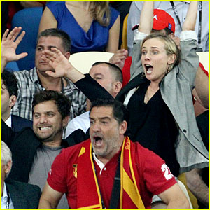 Diane Kruger & Joshua Jackson Cheer on Spain's Win
