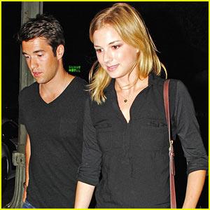 Emily VanCamp & Josh Bowman: Jennifer Jason Leigh Joins 'Revenge'