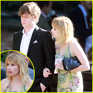 Emma Roberts & Evan Peters: Dating! (Exclusive)