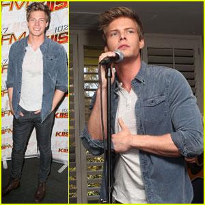 Hunter Parrish: 102.7 KIIS FM Teen Choice Awards Lounge