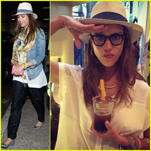 Jessica Alba: LAX Fashionista