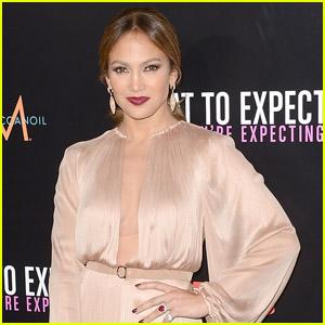 Jennifer Lopez Creating Lesbian Couple TV Show
