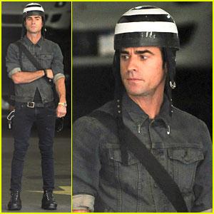 Justin Theroux: Manhattan Motorcycle Man!