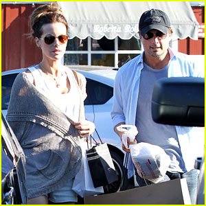 Kate Beckinsale: Brentwood Country Mart with Len Wiseman!