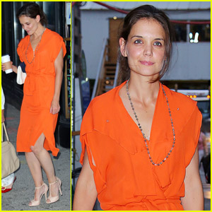 Katie Holmes: Coffee Break with Mom Kathleen!