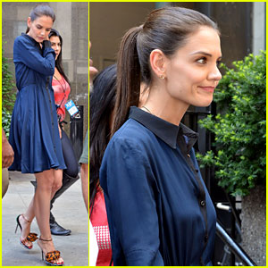 Katie Holmes: First Post Divorce Announcement Pictures!