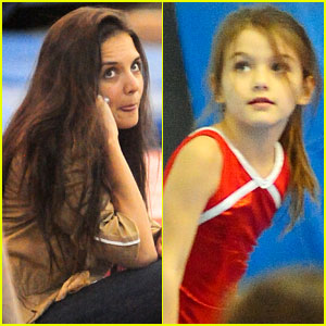 Katie Holmes: Gymnastics Class with Suri!