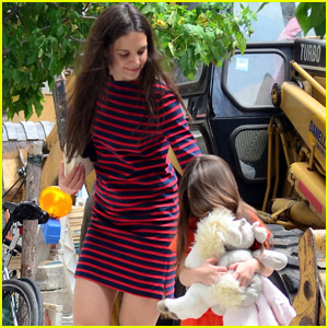 Katie Holmes & Suri: Back to Children's Museum!