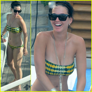 Katy Perry: Bikini-Clad at Rooftop Pool!